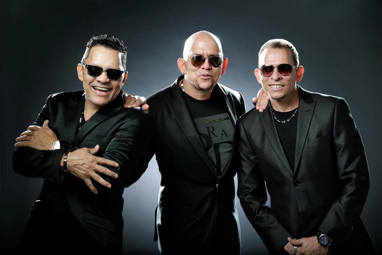 http://majorleaguebooking.com/wp-content/uploads/2015/10/Los-Hermanos-Rosario.jpg